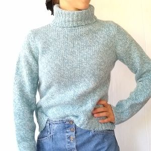 American Eagle • chunky turtleneck wool sweater